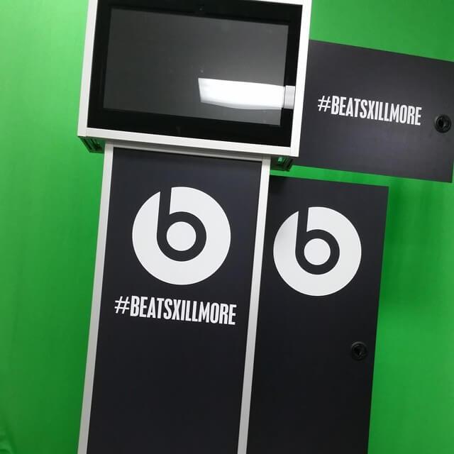 beats by dre instagram kiosk