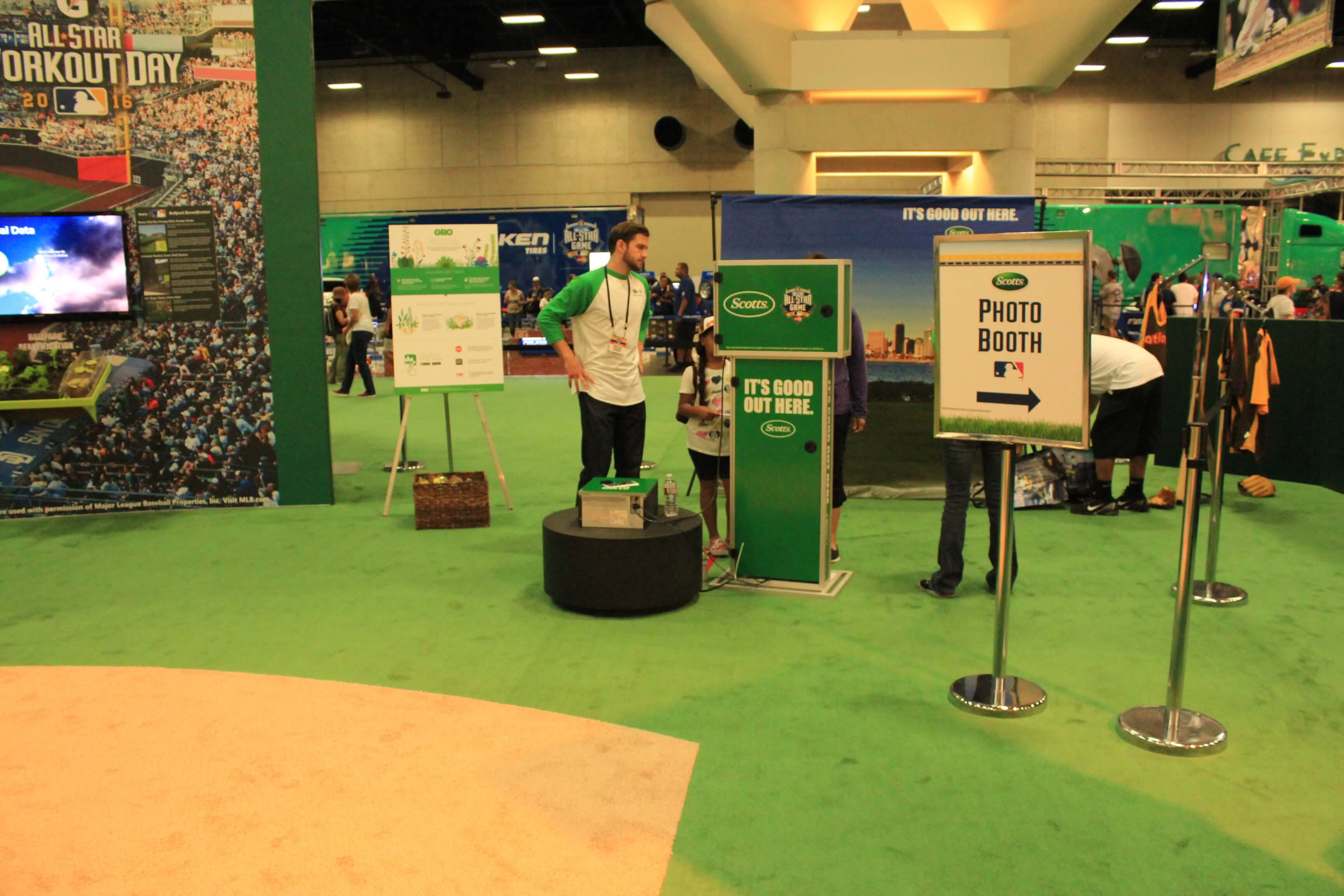 mlb fan fest social photo booth activation